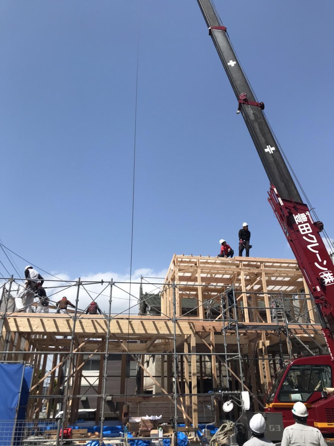 本日大牟田市三里にてE様の棟上げがおこなわれました。